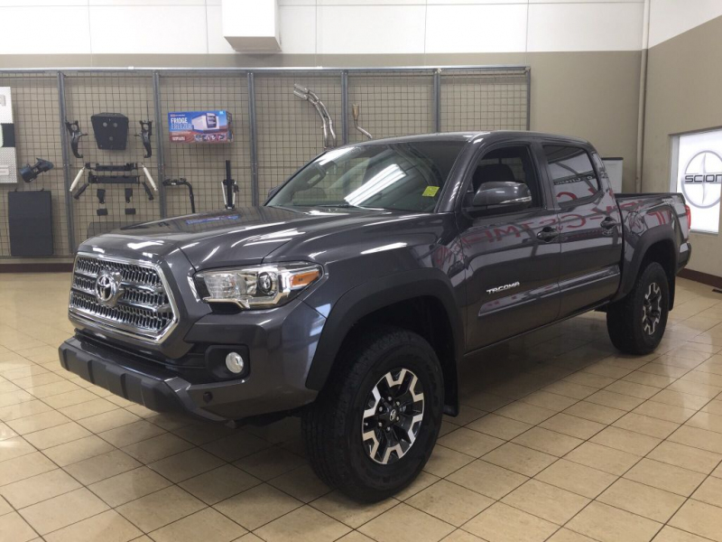 Index247 in addition Aurora Jeep Led Headlights additionally 02 2005 20Ta a 20DCab 20Sport 20Pkg together with Default likewise Trdpro Chile. on 02 tacoma