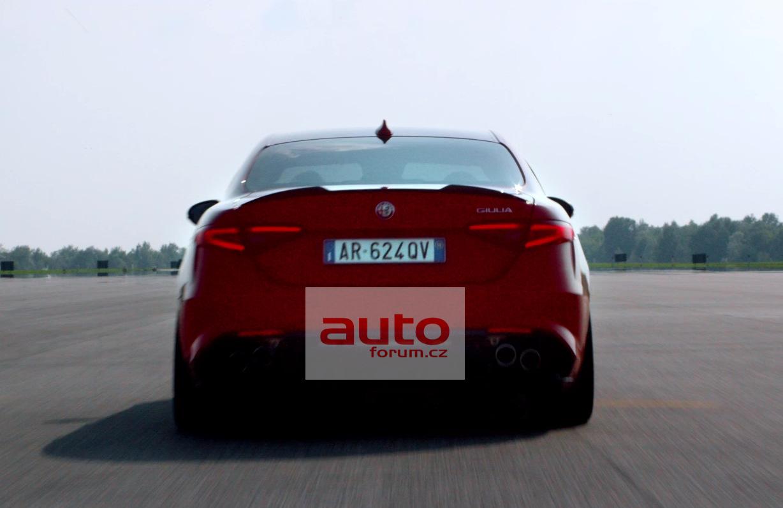 Alfa_Romeo_Giulia_2016_unik_vse_12.jpg