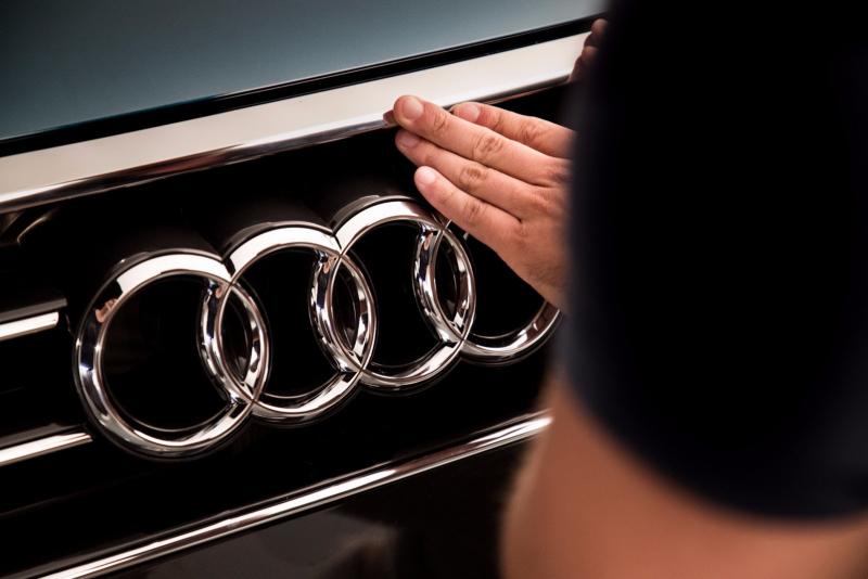 Galerie k článku Nové Audi A8 ukázalo spoustu detailů, uvnitř přetéká digitálními displeji (2 ...