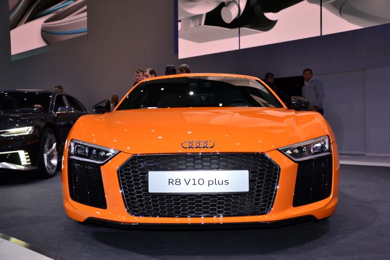 Galerie K čl 225 Nku Nov 233 Audi R8 Motor V8 Nem 225 A M 237 T Ani