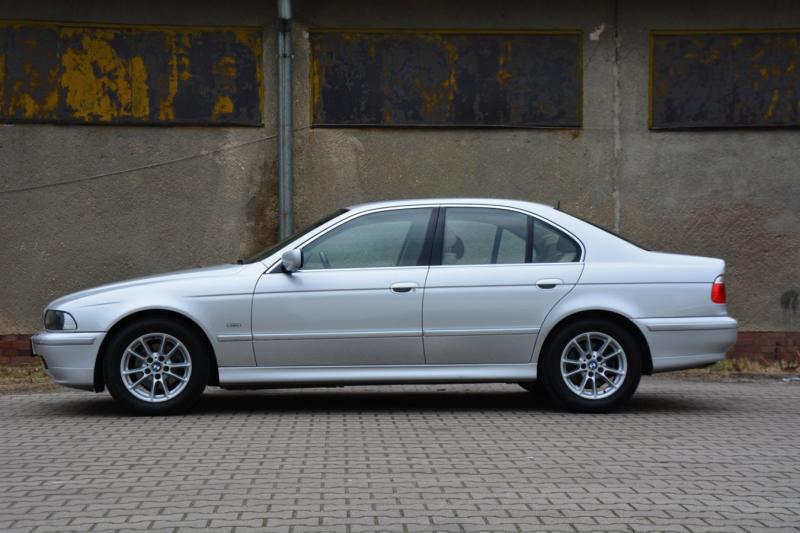 BMW 520i Exclusive Edition E39: 16-ročné delo s nájazdom 209 395 km!
