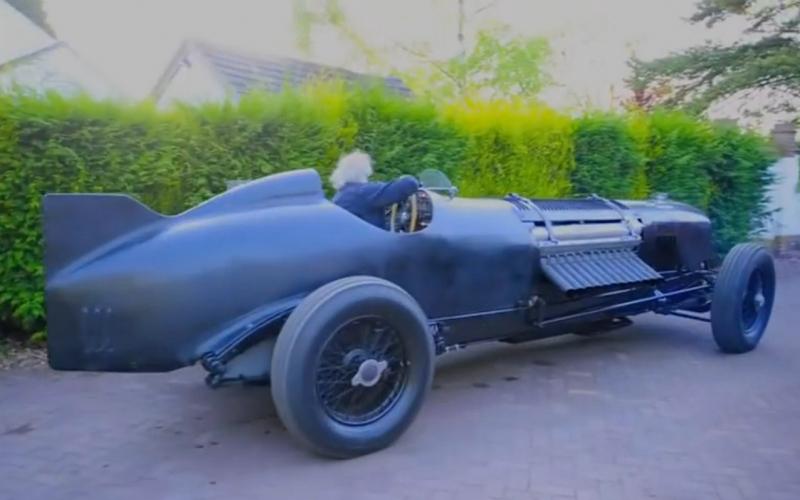 Galerie k článku Bentley s 42litrovým V12 je dokonalá bestie