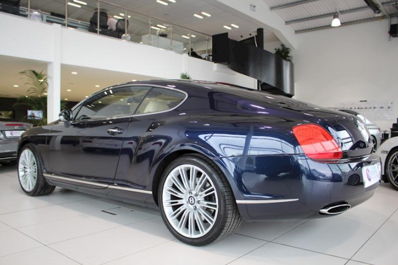 Galerie K čl 225 Nku K M 225 N 237 Je Ronaldovo Bentley Continental