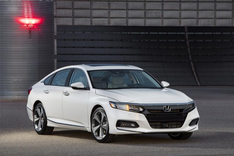 > Rubriky a sekce > Představení > Honda představila nový Accord ...