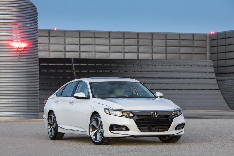 ... , vizuálně i fakticky - 6 - Honda Accord 2018 10 generace prvni 07