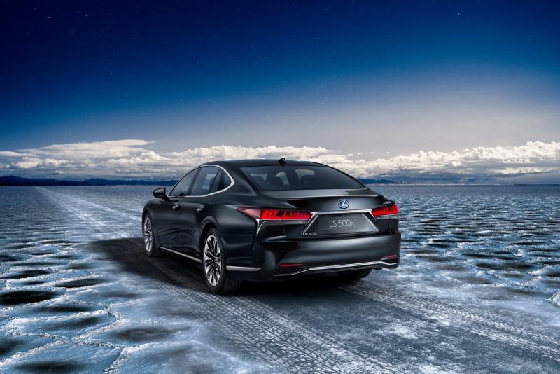 Galerie k článku Lexus LS 500h plně odhalen. Má znovu jen čtyři rychlosti, zato dokonalý ...