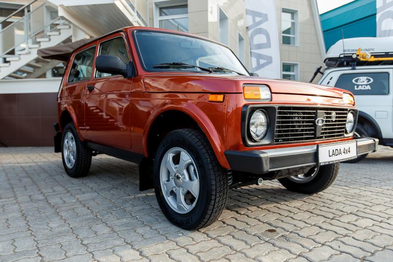 Lada Niva 4x4 Elbrus Edition p ipom n mimo dn ter nn