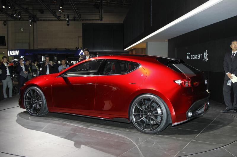 2017 Mazda 3 Forum >> Galerie k článku Nová Mazda 3 je venku jako koncept. Okna ...