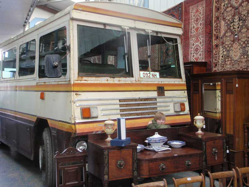 buying margaret thatchersttle bus - 720×480