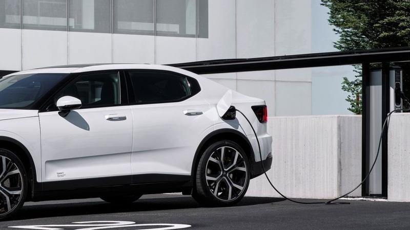 První značka překvapivě řekla pravdu o skutečných emisích CO2 elektrických aut