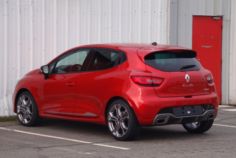 renault clio rs 2013 prvn fotky nov ho rs pod ir m nebem p mo z dieppe. Black Bedroom Furniture Sets. Home Design Ideas