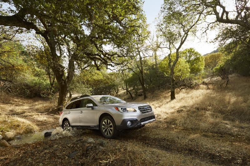 Subaru Outback 2015 oficiálně: derivát Legacy je nejhezčí Subaru