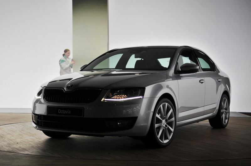 unveiled 2013 skoda octavia. Black Bedroom Furniture Sets. Home Design Ideas