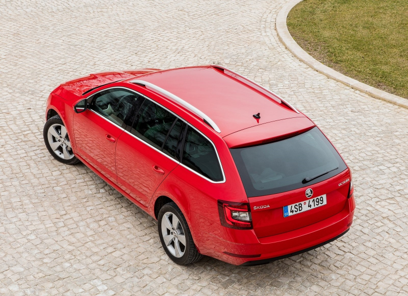 bb3c0507302 Autoforum X Němečtí dealeři aut se začali chovat trochu jako Češi. Paradoxně  s výjimkou Škody - 9