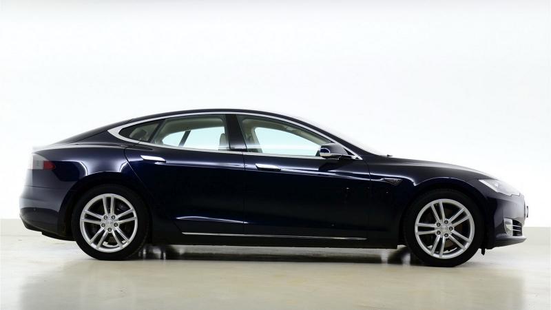 Galerie K čl 225 Nku Chcete Levnou Teslu Model S Na Prodej Je